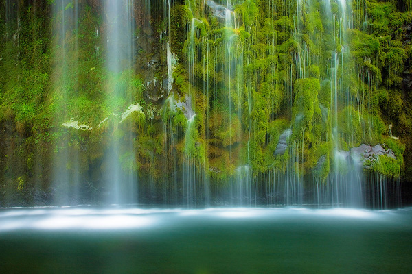 ss mossbrae falls 25 Examples of Breathtaking Nature Photography