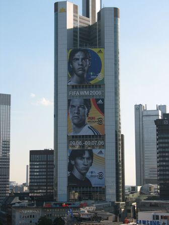 Building advertising FIFA WM