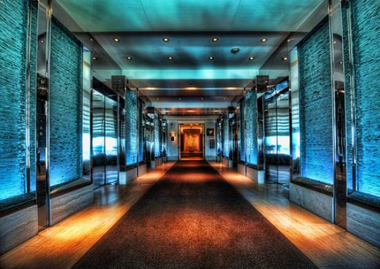 13 hdr las vegas hallway 40+ Fantastic HDR Photographs of 2010