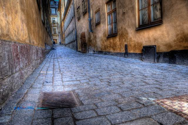 Down the Old Alleyway II by HenrikSundholm 45 Fantastic HDR </p></blockquote> <p>Pictures