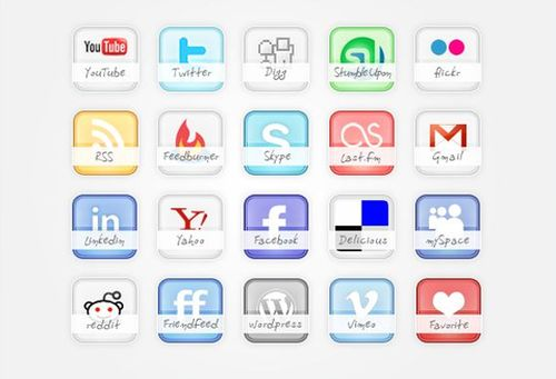 glossy preview 30 Free Social Media Icon Sets For Bloggers