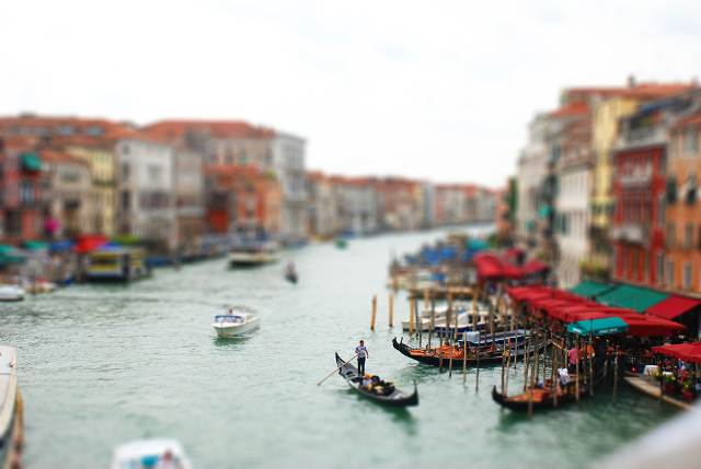 tilt shift 11 35 Awesome Examples of Tilt Shift Photography